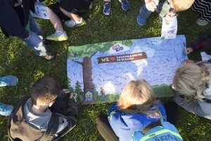 At the 2014 Walk to School Day events, students who walked or biked signed a special banner that hung in their school.
